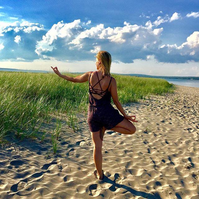 Come ebb and flow! Beach yoga _ Rainbow