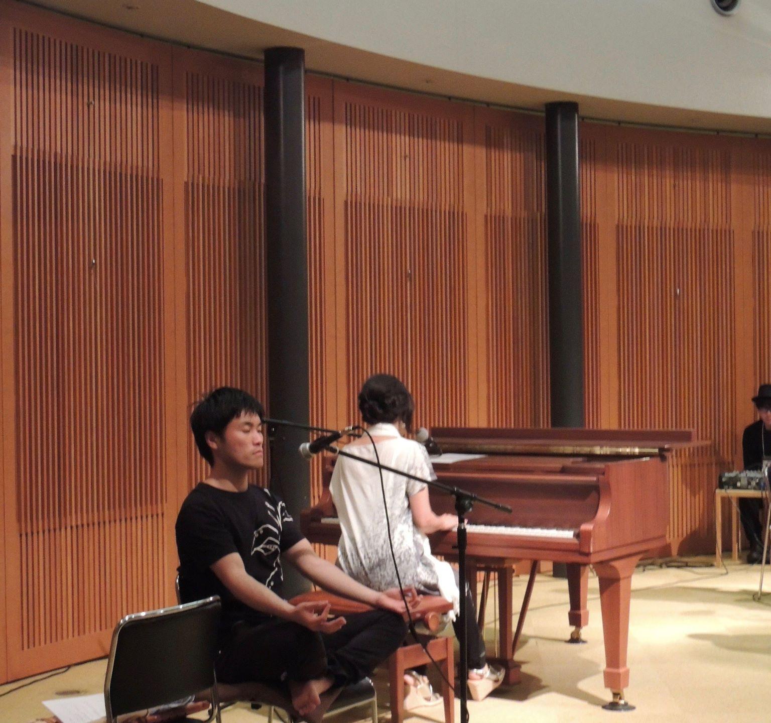 マントラの世界に演奏者も参加します