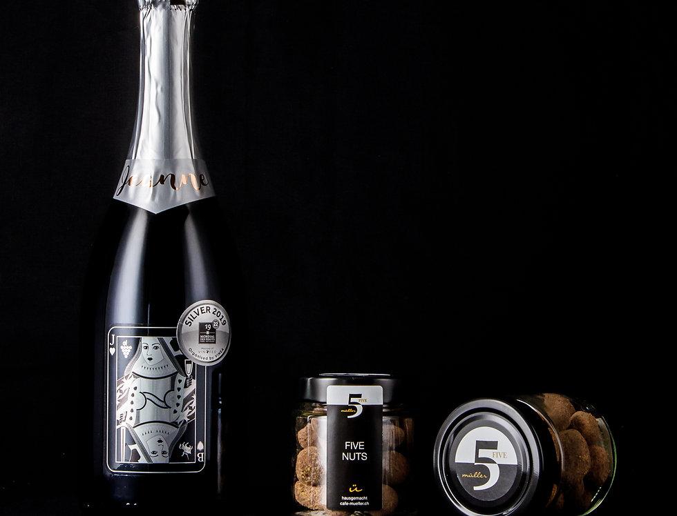 Vin mousseux et délices