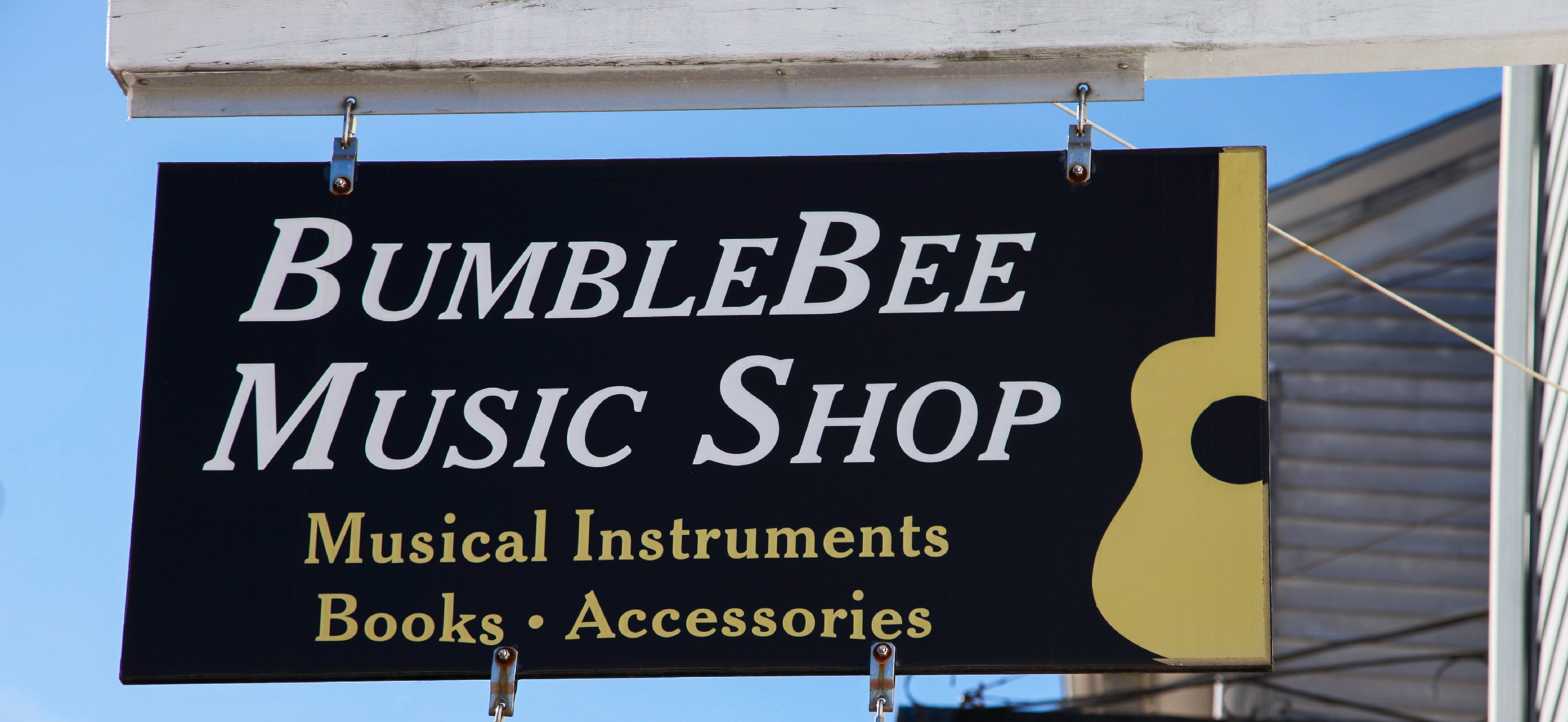 Bumble bee music sign_edited