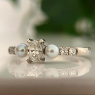 Pearl and diamond ring.png