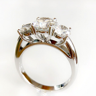 Diamond 3 stone.png