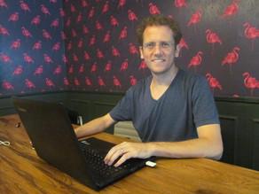 קפה עם יזם: נוודות דיגיטלית עם משפחה ונכסים וירטואלים עם עמיאל ריס
