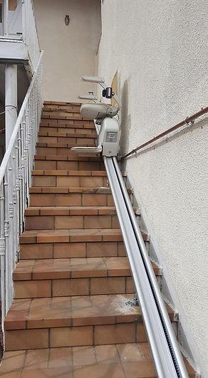 Monte escalier droit extérieur