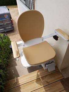 Chaise monte-escaliers exterieur