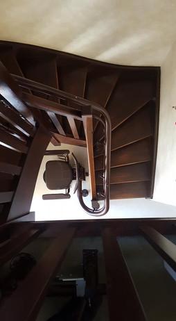 Chaise monte-escaliers tournant