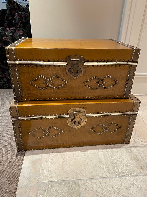 Lot 41 - Pair of Chests