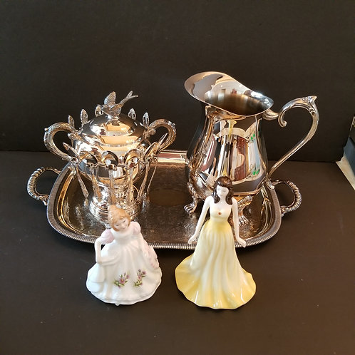 Lot 29 Silver plate Sugar bowl with Spoons, etc...