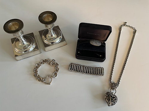 Lot 40 - Heart on Chain, etc...