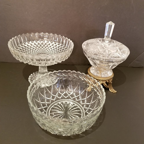 Lot 42 3 Pieces Crystal