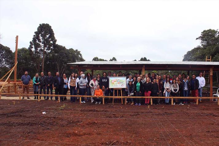 Irmandade comemora a construção da Escola Estância Betânia