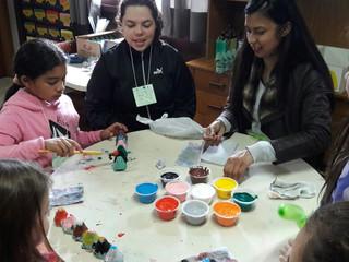 Voluntários e colaboradores realizam festa para crianças em Colombo