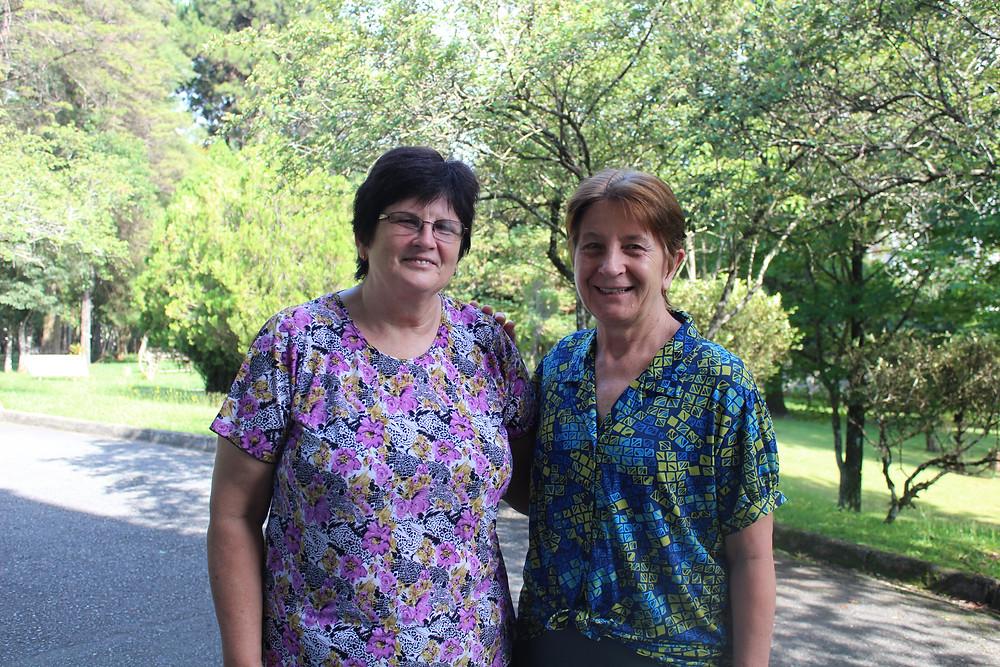 Esther Wiens e Marly Groun, amigas que atuam no Paraguai.