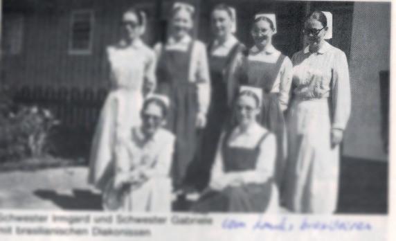 Irmã Gabrielle acompanhada de outras diaconisas em 1983.