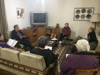 Estudo bíblico semanal é realizado na Irmandade Betânia