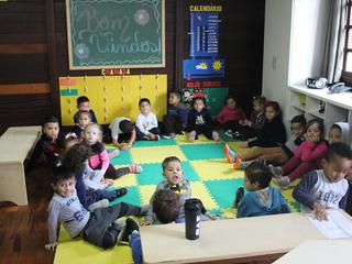 Primeiro dia de aula é marcado por muitas brincadeiras e alegria