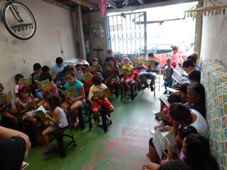 Crianças participam de Escola Bíblica nas férias