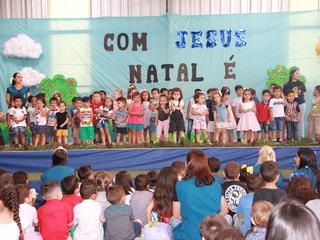 Apresentações de natal do CEISB emocionam os convidados
