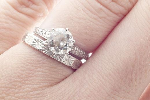 wedding-rings-after-divorce-sell-it-jpg.