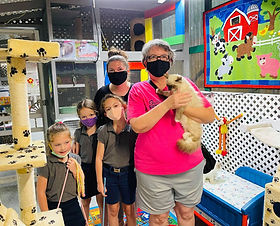 """Linda Ziegler came 8-30-2021 from Ville Platte Louisiana &  got a Ragdoll she named """"PEPPER"""".  She came with her daughter Candace & her girls: Sydney Erin & Haley Johnson."""