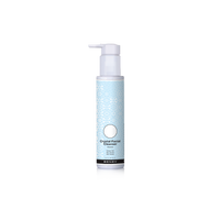 Removes excess oil and debris and softens cellular buildup to encourage the removal of dead skin cells.