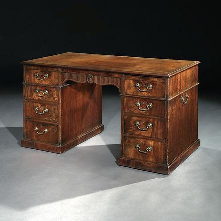 Linnell Desk - Front.jpg