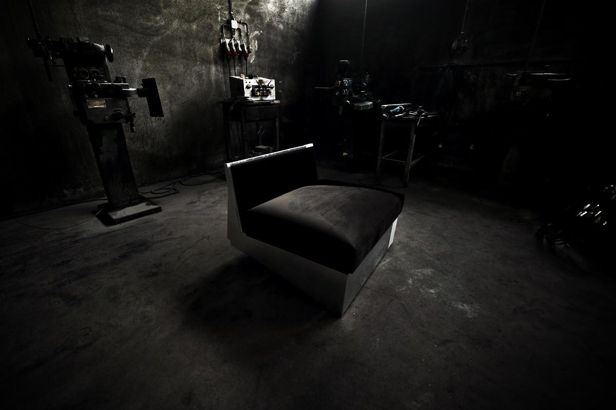 utopia-armchair-full-view