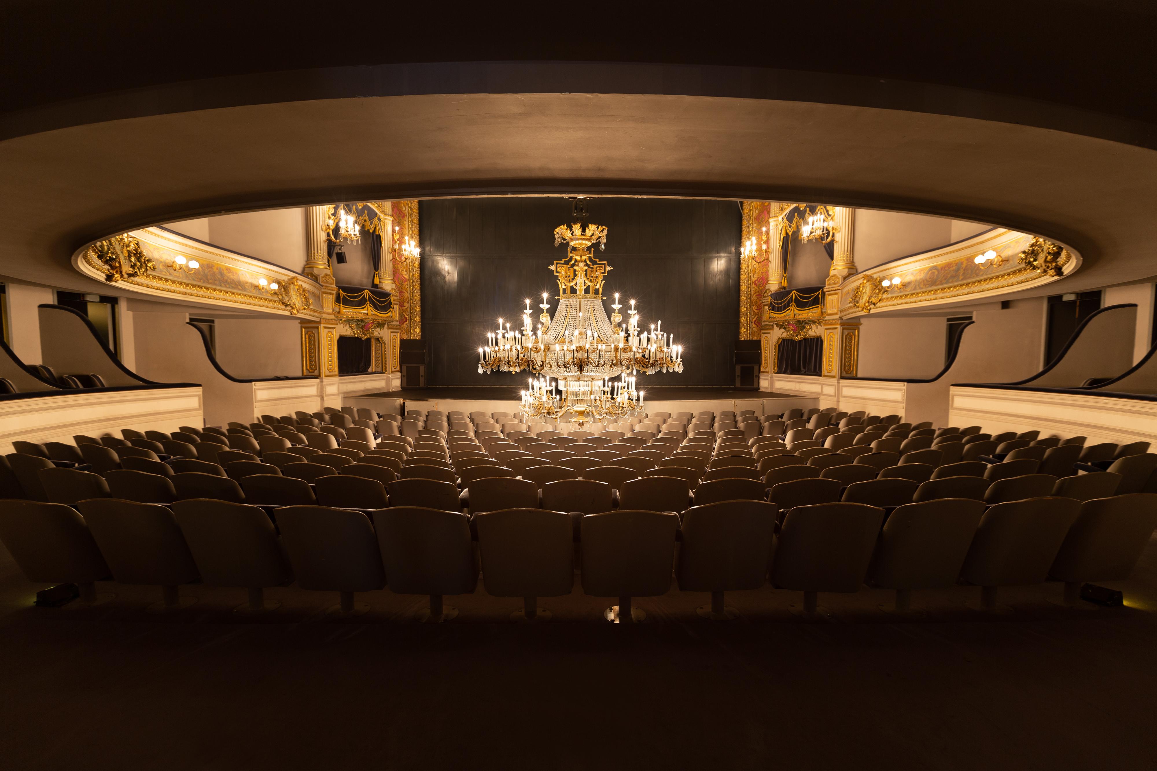 Namur's Theater