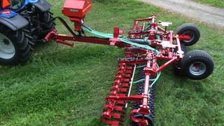 SUIRE Megapack grass roller