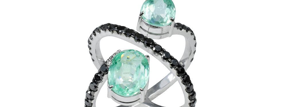 Anel Coroa Formas com Diamantes Negros e Esmeraldas Colombianas em ouro Branc18k