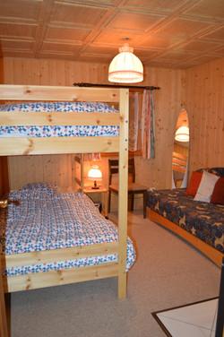 12 Slaapkamer Kelder