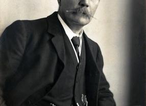 A Comprehensive Look Into the Writing Style of Sir Arthur Conan Doyle