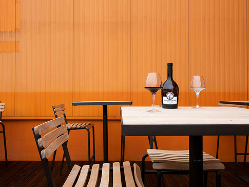 Vin sur table   Lagord
