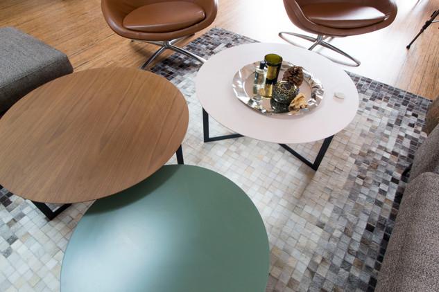 Tables gigognes colorées | La Rochelle