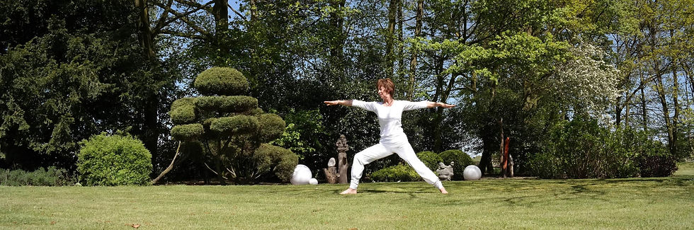 yoga-moers-christel-falk-yogauebung-krie