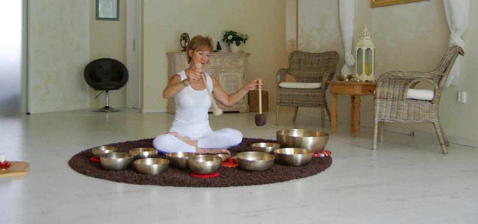 klangschalen-bei-yoga-moers-03.jpg