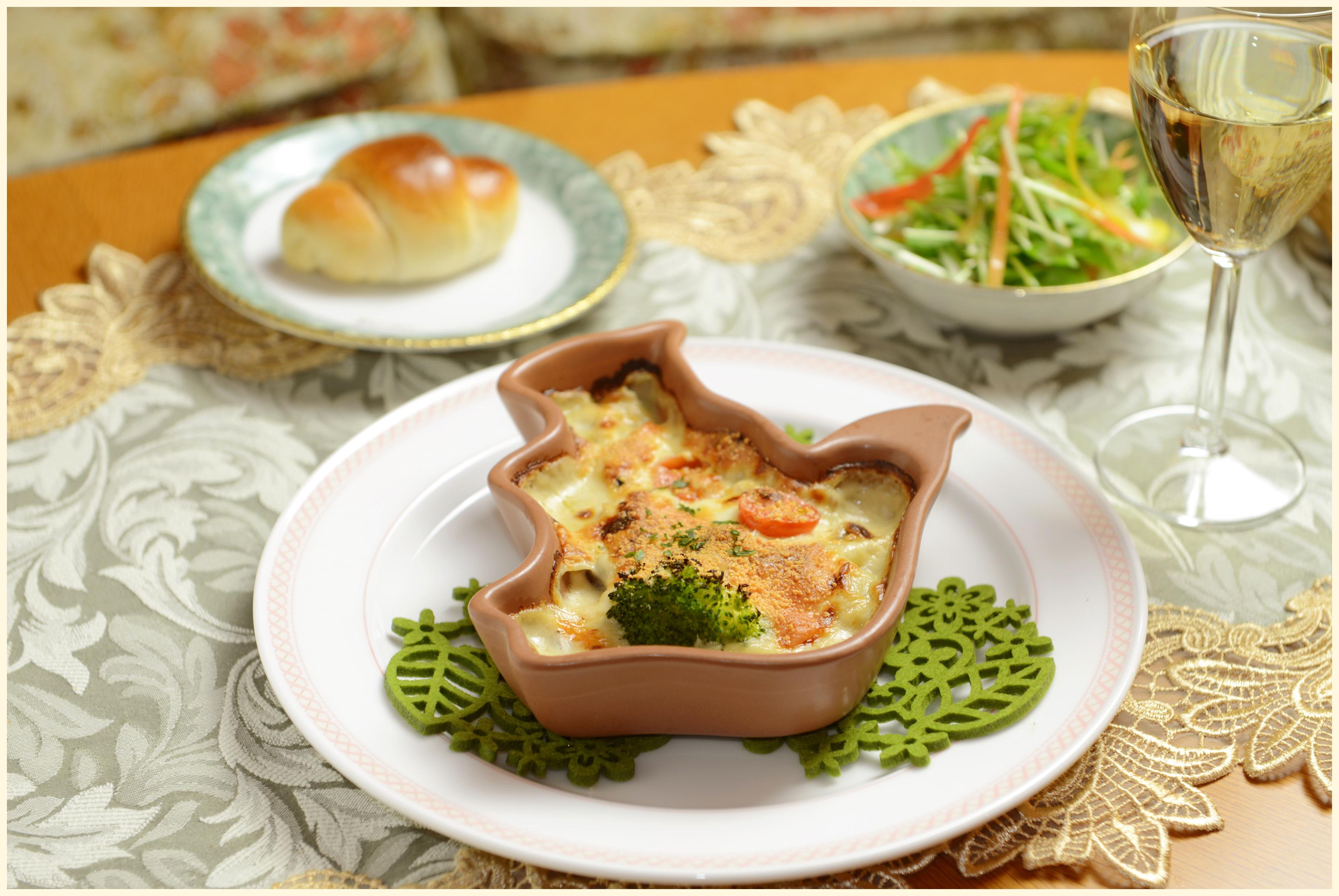 鶏もも肉と彩り野菜のグラタン/ドリア