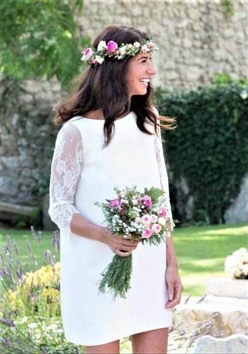 Robe de mariée romantique champêtre en dentelle de calais et en soie satiné à Cannes