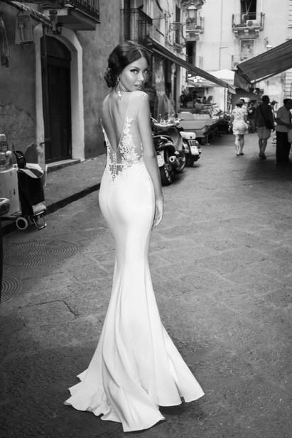 Robe de mariée sirène avec une fente à l'avant à Marseille