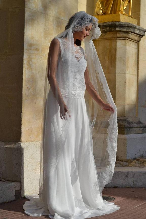 Robe de mariée bohème en crêpe à Marseil