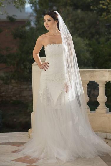 Robe de mariée en dentelle à Marseille