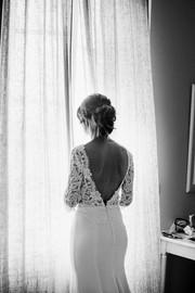 Robe de mariée vintage dos nu longue en dentelle de Prada à Marseille