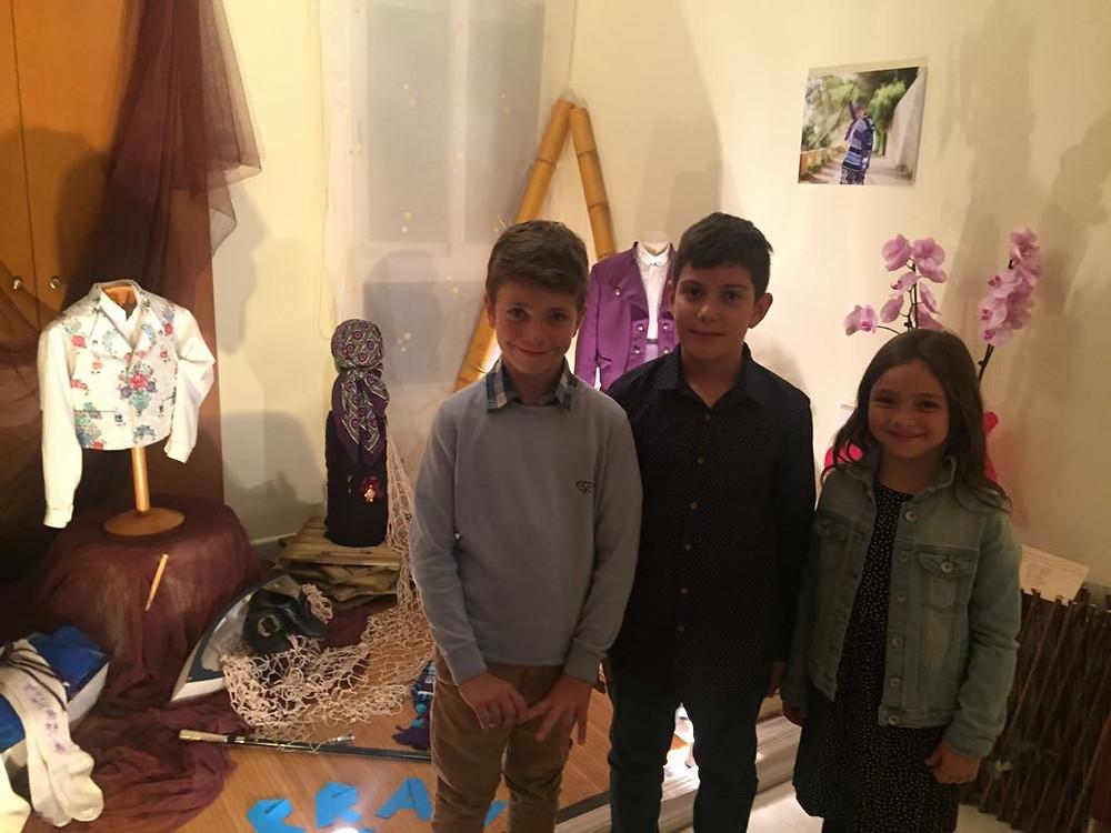 Celia i Aitor junt al president infantil de Baix la Mar