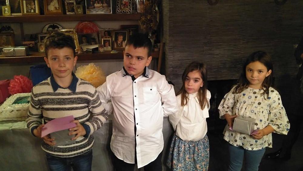 Celia i Aitor junt als càrrecs infantils de les Roques