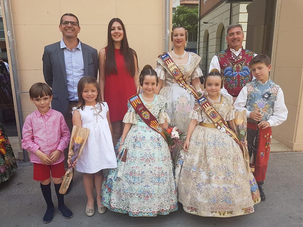 Els càrrecs del 2018 i 2019 junt a la nostra representant en la cort d'honor infantil 2018, Neus Sánchez