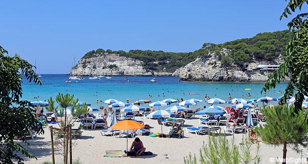 Playa-para-ir-de-vacaciones-en-veranos-Cala-Galdana