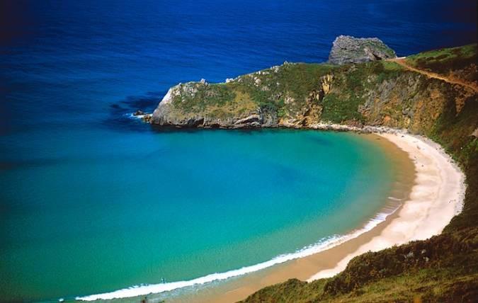 Playa-de-Torimbia-cerca-de-Llanes-Asturias