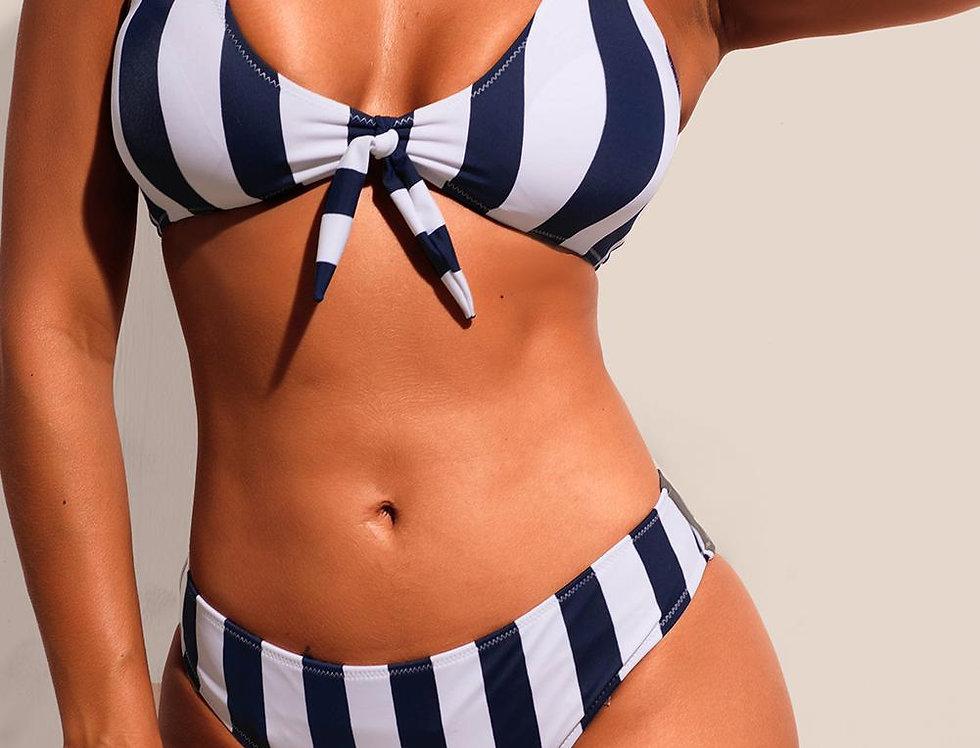 Bikini dos piezas con rayas cordon en la parte delantera parairdevacaciones