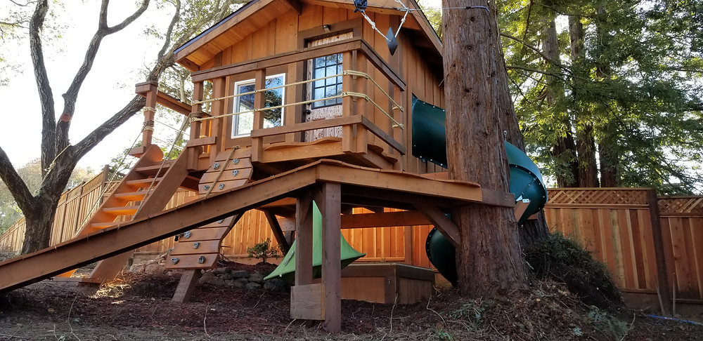 How do you build a simple kids treehouse?