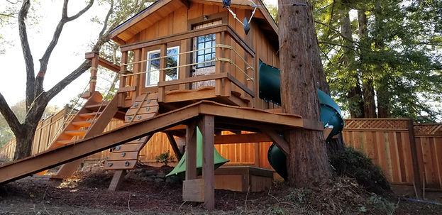 kids-treehouse-design-ideas[1].jpg